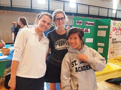 Saint Ursula Academy Offers More Than 60 Clubs and Organizations to Students During Fair
