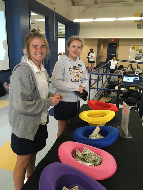 SUA Students Collect Donations for Hurricane Relief