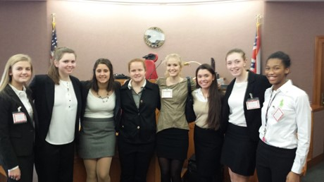 Congratulations to the SUA Mock Trial Team which is moving on to Regionals