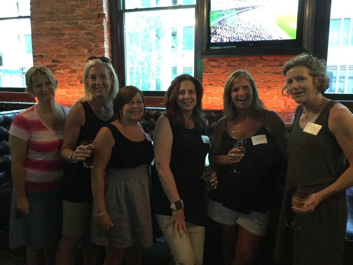 SUA Alumnae, including these members from the class of 1984, enjoyed an SUA happy hour in Chicago