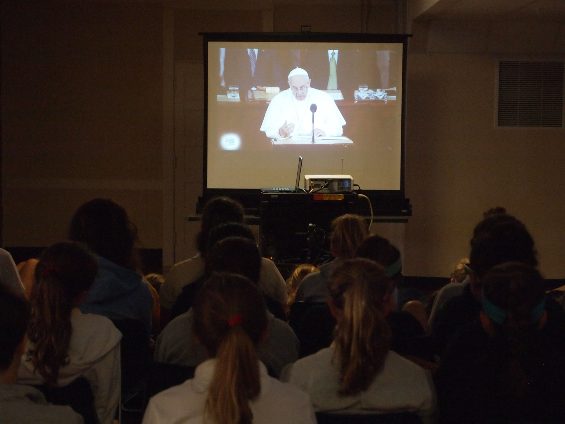 Religion classes at SUA gathered to watch the Pope's address to Congress