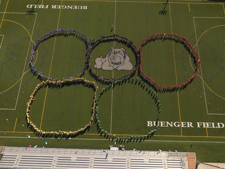 "All of SUA posed in ""Olympic"" rings for the SUA Field Day/Walk"