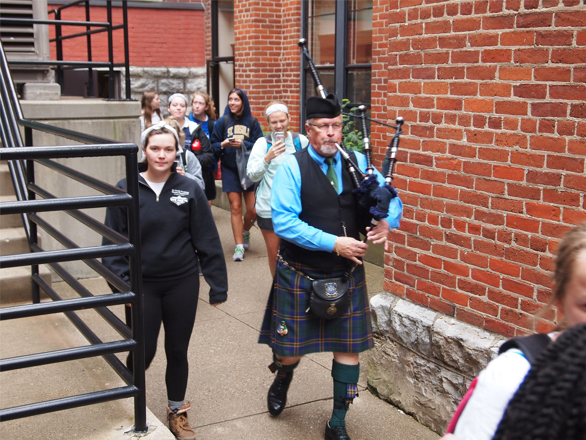 Senior Day! SUA was treated to the bagpipes across campus, courtesy of the seniors